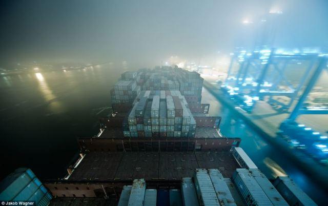 Emma Maersk-10